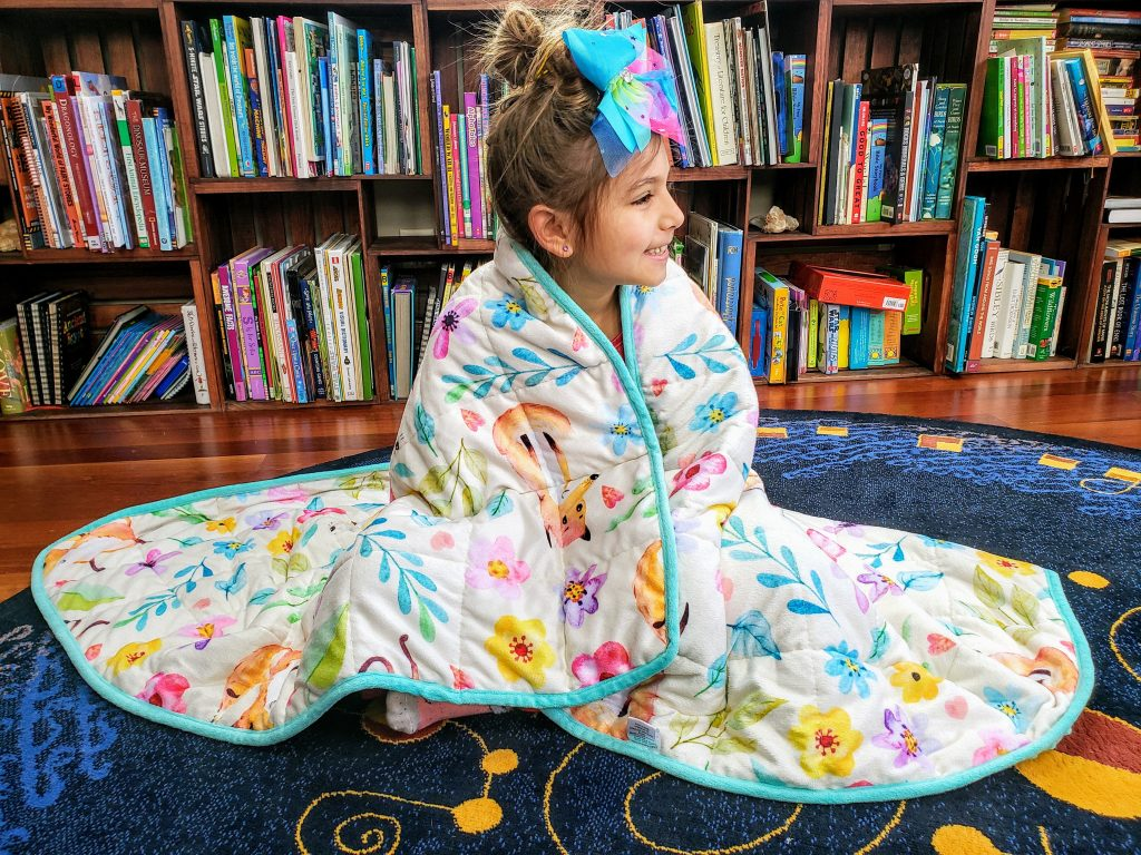 """Weighted Blanket Kids 5 lbs 55""""x42"""" Sensory Reinforced Plush Minky Glass Beads Perfect for Children 40 to 60 pounds Flower Pattern"""