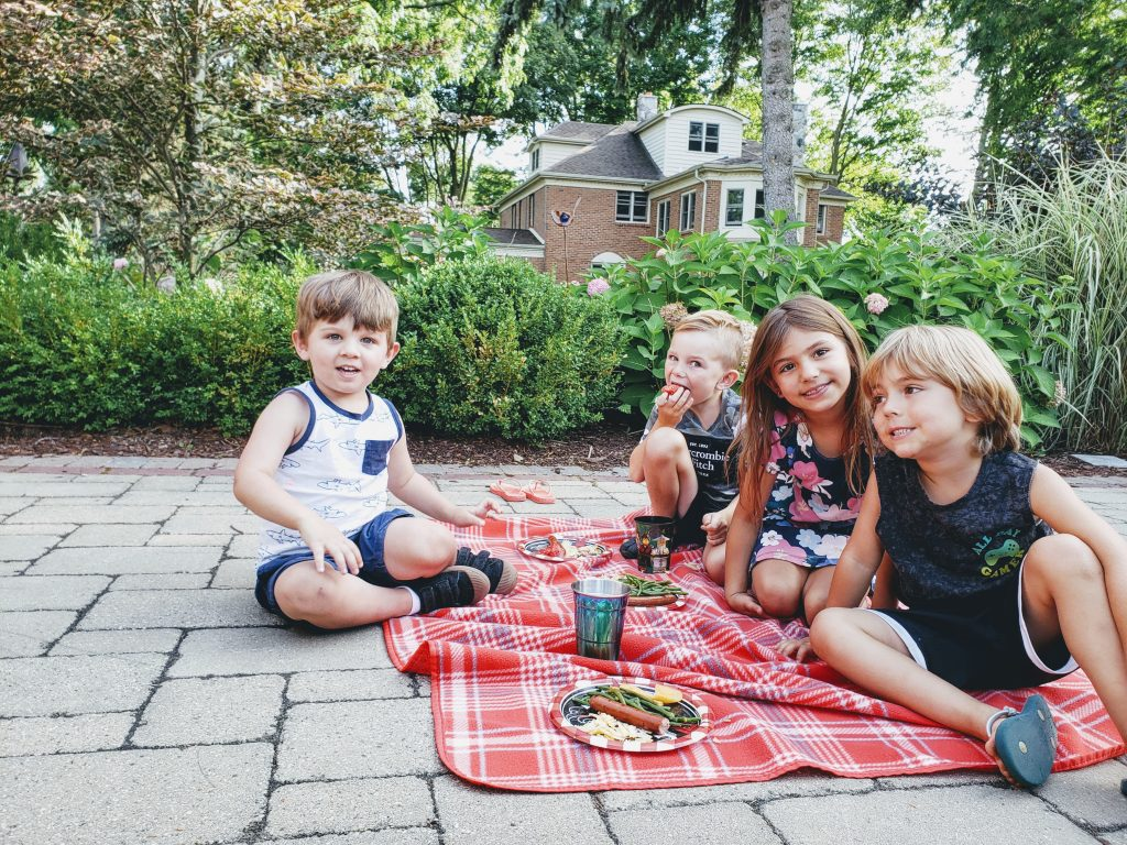 get outdoors kid picnic